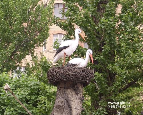 Фигуры аистов в гнезде для сада купить дешево - Всё о фигуре здесь